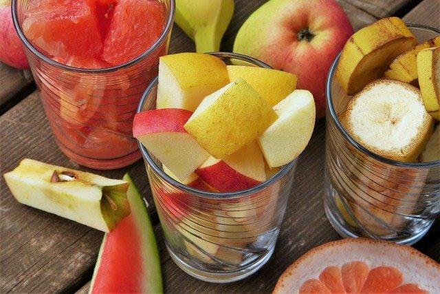 ovoce ve skleničkách