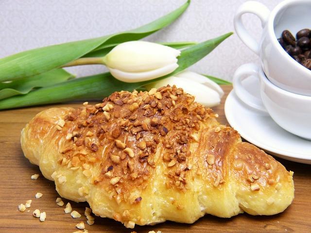croissant o oříšky